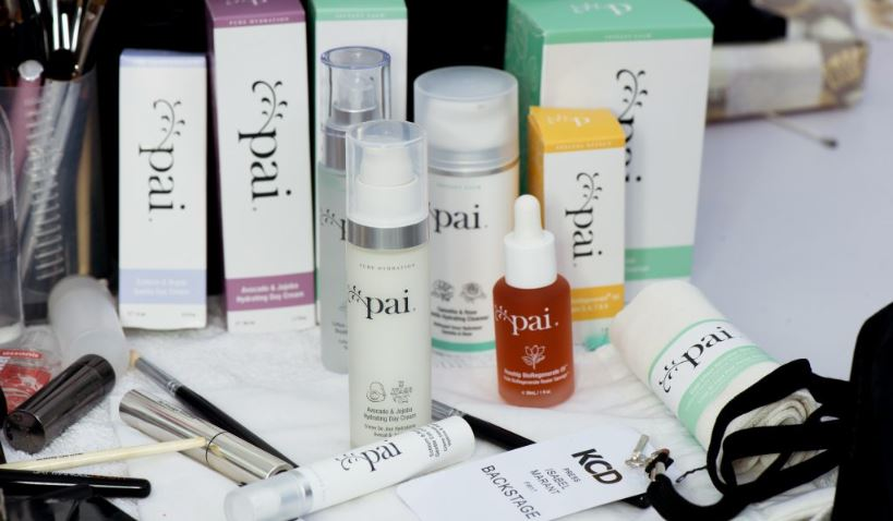 British Celebs Swear By Trilogy Rosehip Oil for Great Skin ...